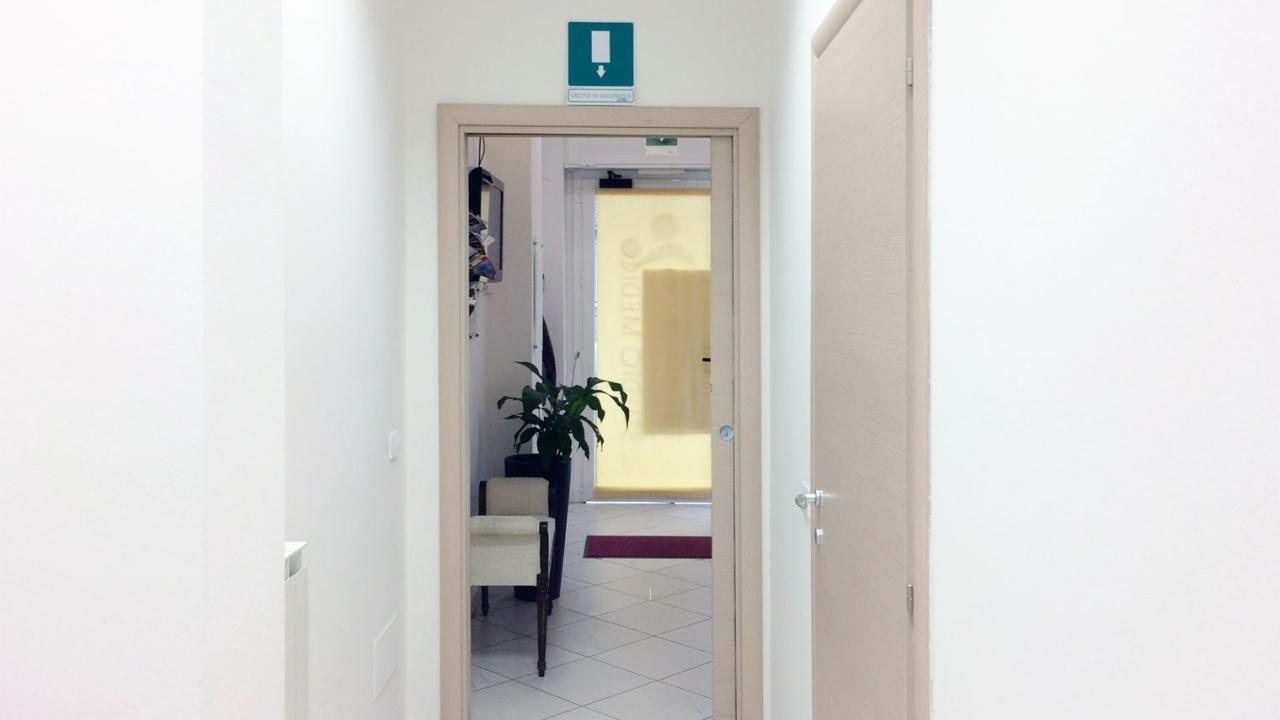 corridoio-sala-aspetto.jpg